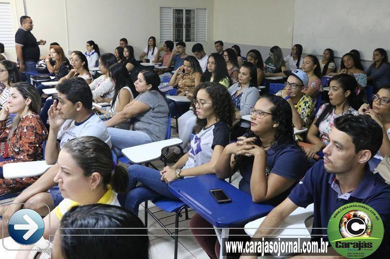 Calouros e veteranos participam de aula inaugural na FAMAP Confira as fotos